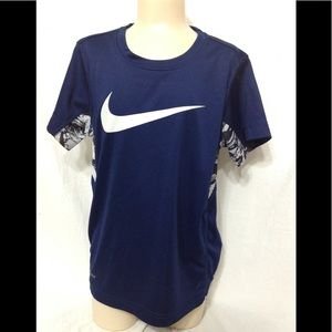 Boy's size 7 NIKE Dri-Fit tee